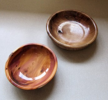Keith Leonard won a commended certificate for this little yew bowl
