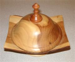 Lidded box by Bernard Slingsby