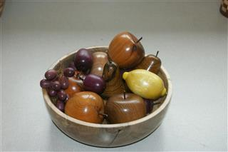 This bowl and fruit won a comended certifiate for Len Laker